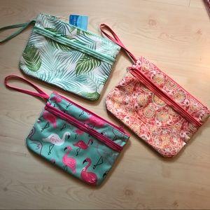 Handbags - 🌟6/$25🌟Large wristlet pouch w/ front vinyl pouch